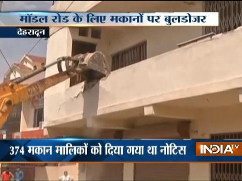 Development Authority demolishes illegal structures in Dehradun