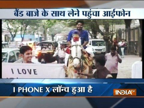 Maharashtra: Man in Thane goes with Band-Baja and Baraat to buy iPhone X