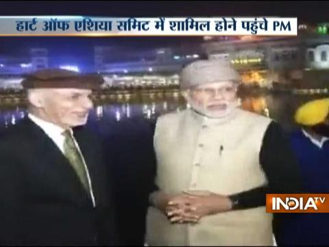 PM Modi and Ashraf Ghani visit Golden Temple in Amritsar