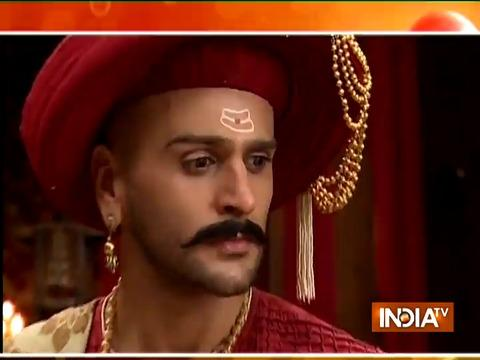 Bajirao reveals his marriage to Mastani
