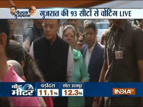 Gujarat Election Phase 2: Arun Jaitley, Nitin Patel arrives at poll booth to cast their vote