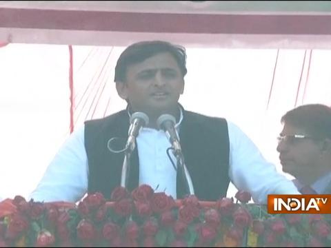 UP Polls 2017: UP CM Akhilesh Yadav addresses a public rally in Sultanpur