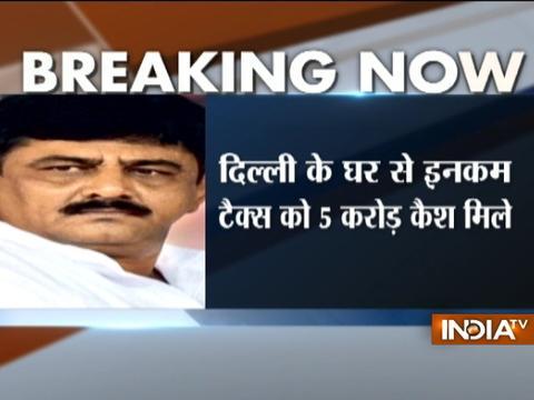 I-T raids at Karnataka energy Minister DK Shivakumar's residence, recovers Rs 5 crore cash