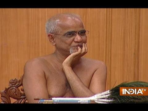 Muni Praman Sagar's apt response to debate on Jain Muni Tarun Sagar's appearance on Aap Ki Adalat