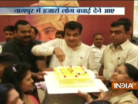 Nitin Gadkari celebrates his 60th birthday with friends and family