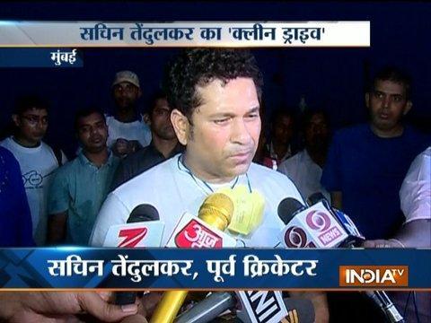 Mumbai: Sachin Tendulkar participate in Swachhata Abhiyan at Bandra