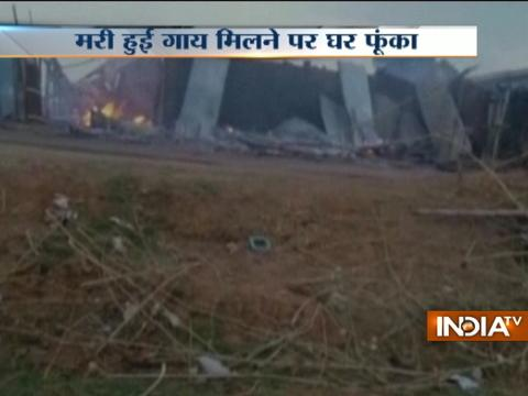 Angry mob set a house on fire after body of cow found in Girdih, Jharkhand