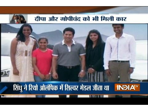 Tendulkar in the 'Company of champs'; Presents PV Sindhu, Sakshi, Dipa and