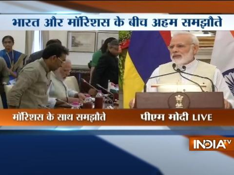PM Modi meets Mauritius PM Pravind Jugnauth