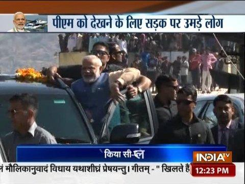Gujarat Polls: PM Modi travels to Ambaji in Banaskantha by road
