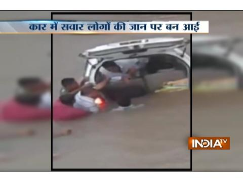 Dramatic visuals of rescue operation after car falls into a canal in Mehsana(Gujarat)