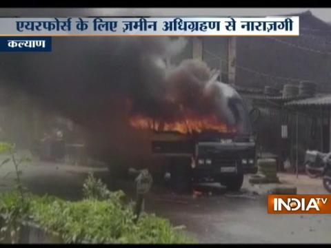 Farmers protest turns violent on Thane-Badlapur highway, several vehicles set-on fire