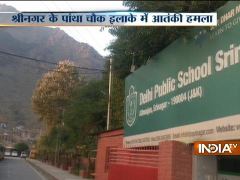 Srinagar: Militants attacked a CRPF vehicle near Pantha chowk bypass