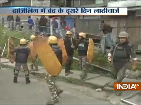 Police lathicharge on GJM supporters for protesting in Darjeeling