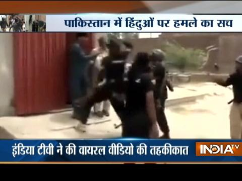 Aaj Ka Viral: Hindu brutally beaten by Pakistani policeman