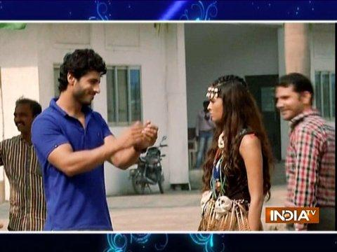 Siddhi gets tortured by Vinayak and dances like a mad girl.