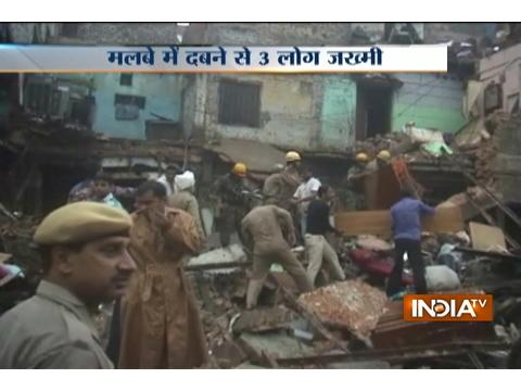 Delhi: 3 injured after portion of a three-storey building collapses in Karol