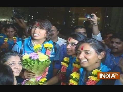 India women's cricket team returns home to heroes' welcome