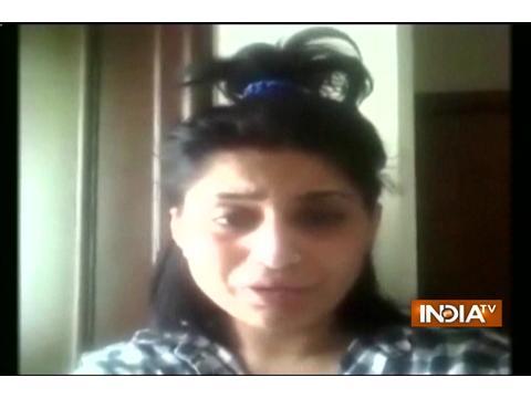 Actress Alisha Khan accuses husband for abandoning her post marriage