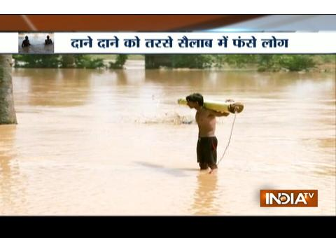 Victims of flood struggle for food in Bihar