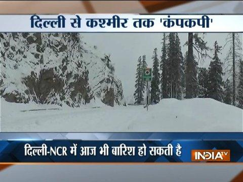 Heavy snowfall in Kashmir, rains in Delhi-NCR