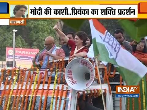 लोकसभा चुनाव 2019: वाराणसी में प्रियंका गांधी का रोड शो, कांग्रेस उम्मीदवार अजय राय के लिए किया चुनाव प्रचार