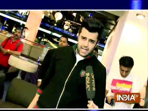 Manish Paul is having fun in Delhi with SBAS team
