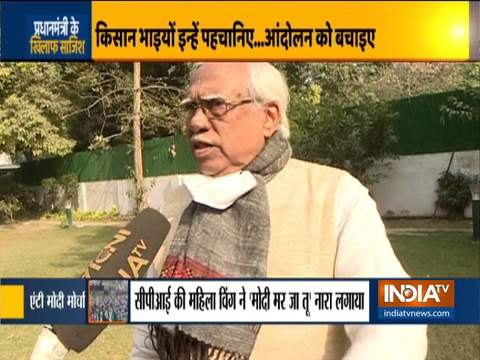 Hannan Mollah reacts to anti-Modi slogans raised by women protesters at Shahjahanpur border