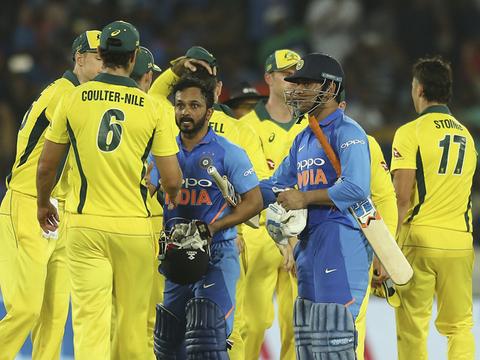 India vs Australia 1st ODI: 'Cheeky' Kedar Jadhav and 'Vintage' MS Dhoni lead India to 1-0 lead over Australia