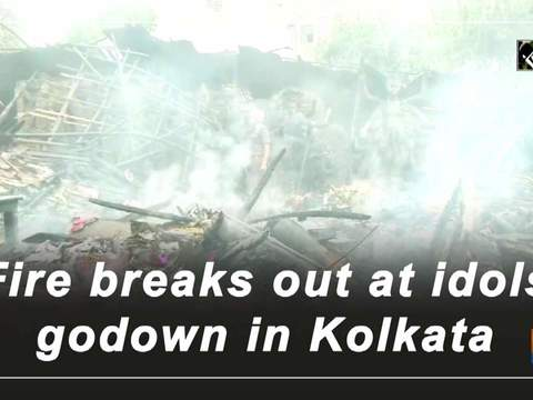 Fire breaks out at idols godown in Kolkata