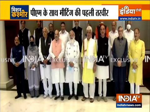 पीएम मोदी ने दिल्ली में जम्मू-कश्मीर के नेताओं के साथ की बैठक