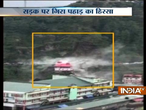 Landslide on Chandigarh-Shimla National Highway, several vehicles buried under debris