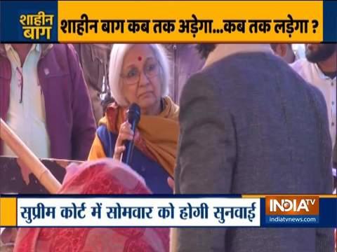 साधना रामचंद्रन अचानक पहुंचीं शाहीन बाग, कर रहीं प्रदर्शनकारियों को मनाने की एक और कोशिश