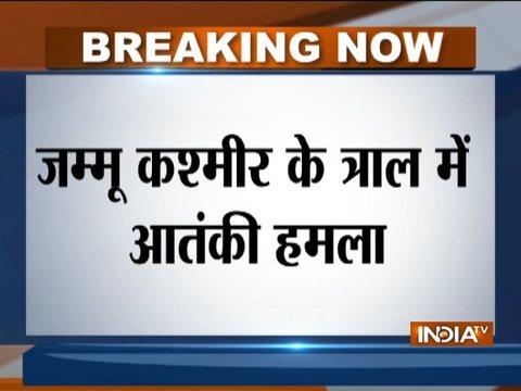 जम्मू-कश्मीर के त्राल में पुलिस और CRPF की पार्टी पर ग्रेनेड से हमला