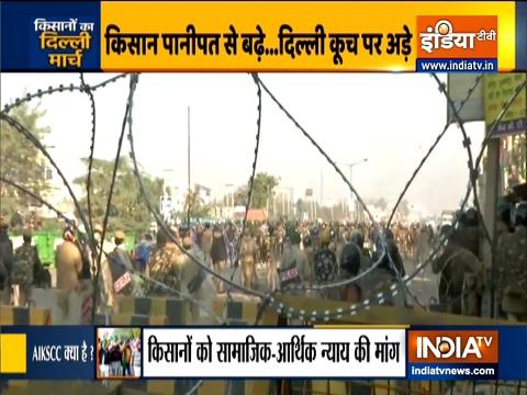 किसान आंदोलन: आंदोलनकारी दिल्ली की ओर बढ़े, पुलिस ने सीमाओं पर बढ़ाई सतर्कता