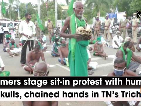 Farmers stage sit-in protest with human skulls, chained hands in TN's Trichy