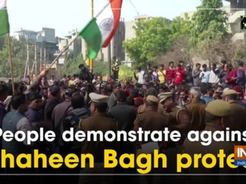 People demonstrate against Shaheen Bagh protest