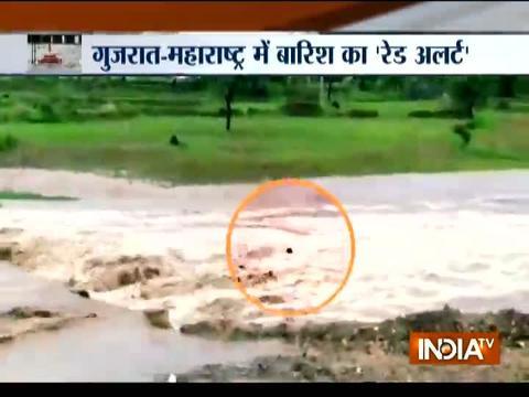 गुजरात-महाराष्ट्र में बारिश का 'रेड अलर्ट'