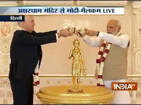 Modi, Australian PM Turnbull take Delhi Metro to Akshardham temple