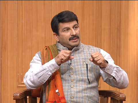 Manoj Tiwari sings his songs on Aap Ki Adalat