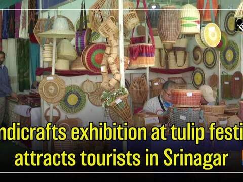 Handicrafts exhibition at tulip festival attracts tourists in Srinagar