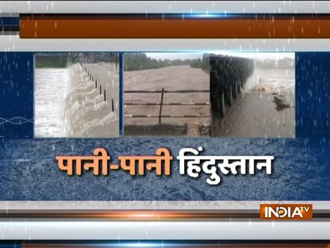 Monsoon Rains: गुजरात से केरल तक आफत की बारिश से थमी जिंदगी
