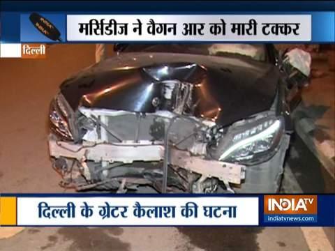 दिल्ली में तेज़ रफ़्तार मर्सिडीज ने टैक्सी को मारी टक्कर, तीन घायल
