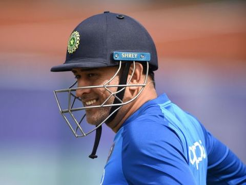 MS Dhoni beats Virat Kohli in list of most admired men in India