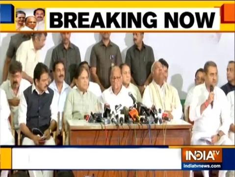 महाराष्ट्र: कांग्रेस-एनसीपी नेताओं ने की जॉईंट प्रेस कॉन्फ्रेन्स