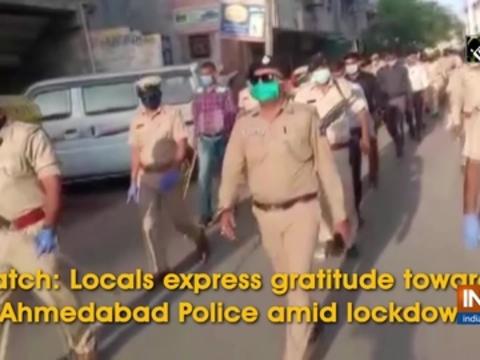 Watch: Locals express gratitude towards Ahmedabad Police amid lockdown