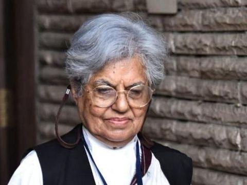 """""""सोनिया गांधी की तरह दोषियों को माफ कर दें"""", वकील इंदिरा जयसिंह ने निर्भया की मां से कहा"""