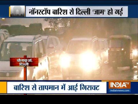 दिल्ली-एनसीआर में भारी बारिश, आंधी-तूफान के बाद शहर के कुछ हिस्सों में भारी ट्रैफिक