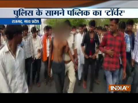 Mob tortures man in front of police in Madhya Pradesh