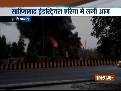 Fire breaks out in a pipe factory near Kaushambi metro station, 1 firefighter injured